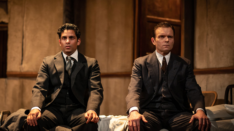 THE DUMB WAITER: ★★★★ FROM THE STAGE