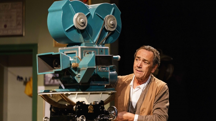 THE TELEGRAPH INTERVIEW PRISM'S ROBERT LINDSAY