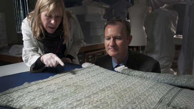 55 Days: Mark Gatiss visits Charles I's execution vest